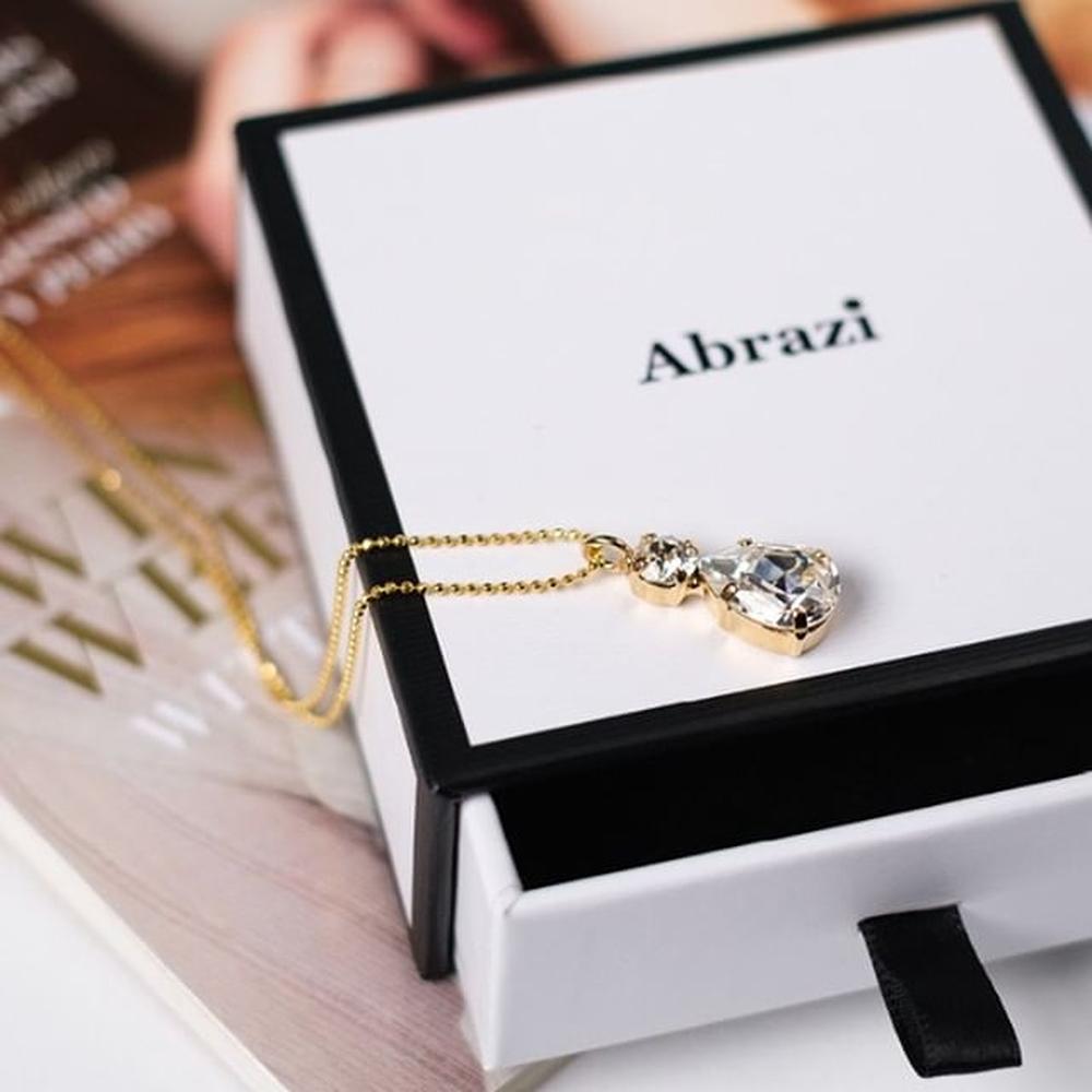 Abrazi Jewelry in Brautkleider-Accessoires