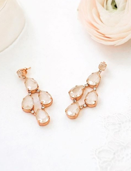 Brautkleider Accessoires von Abrazi Jewelry