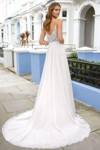Brautkleider von Adore