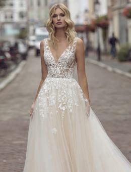Brautkleider & Brautmode von Modeca