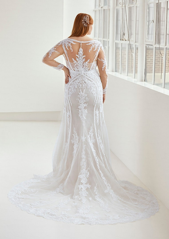 Curvy by Pronovias in Brautkleider