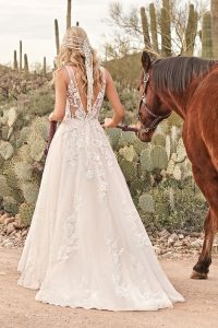 Brautkleider von Lillian West