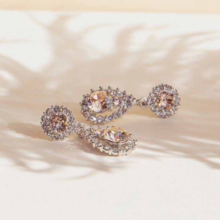 New in: Lily and Rose Jewellery in Brautmode & Brautkleider