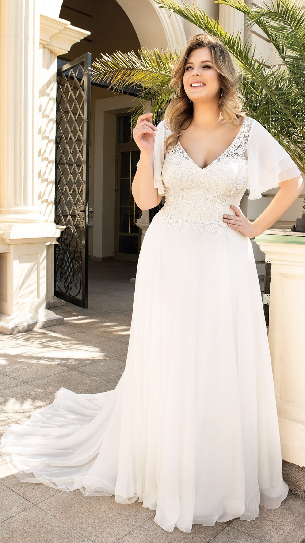 Lovely Curvy in Brautkleider