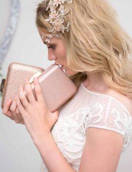 Brautkleider Accessoires von Menbur