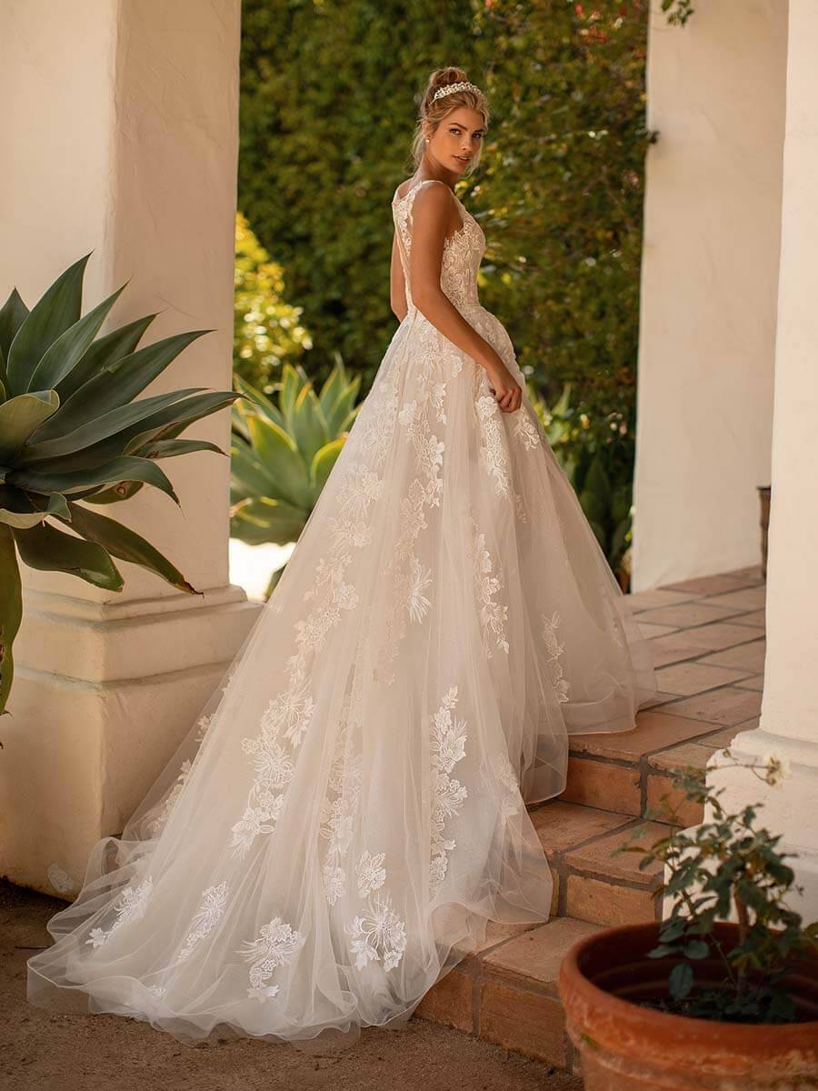 New Designer: Moonlight Bridal in Brautmode & Brautkleider